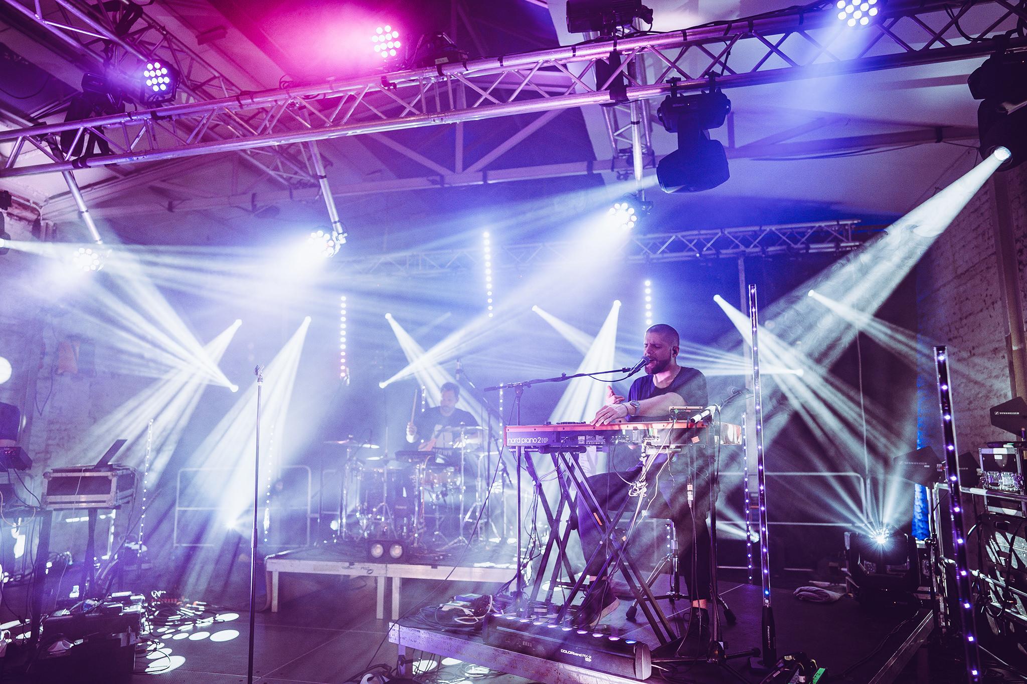 Tua live auf der SNIPES Stage