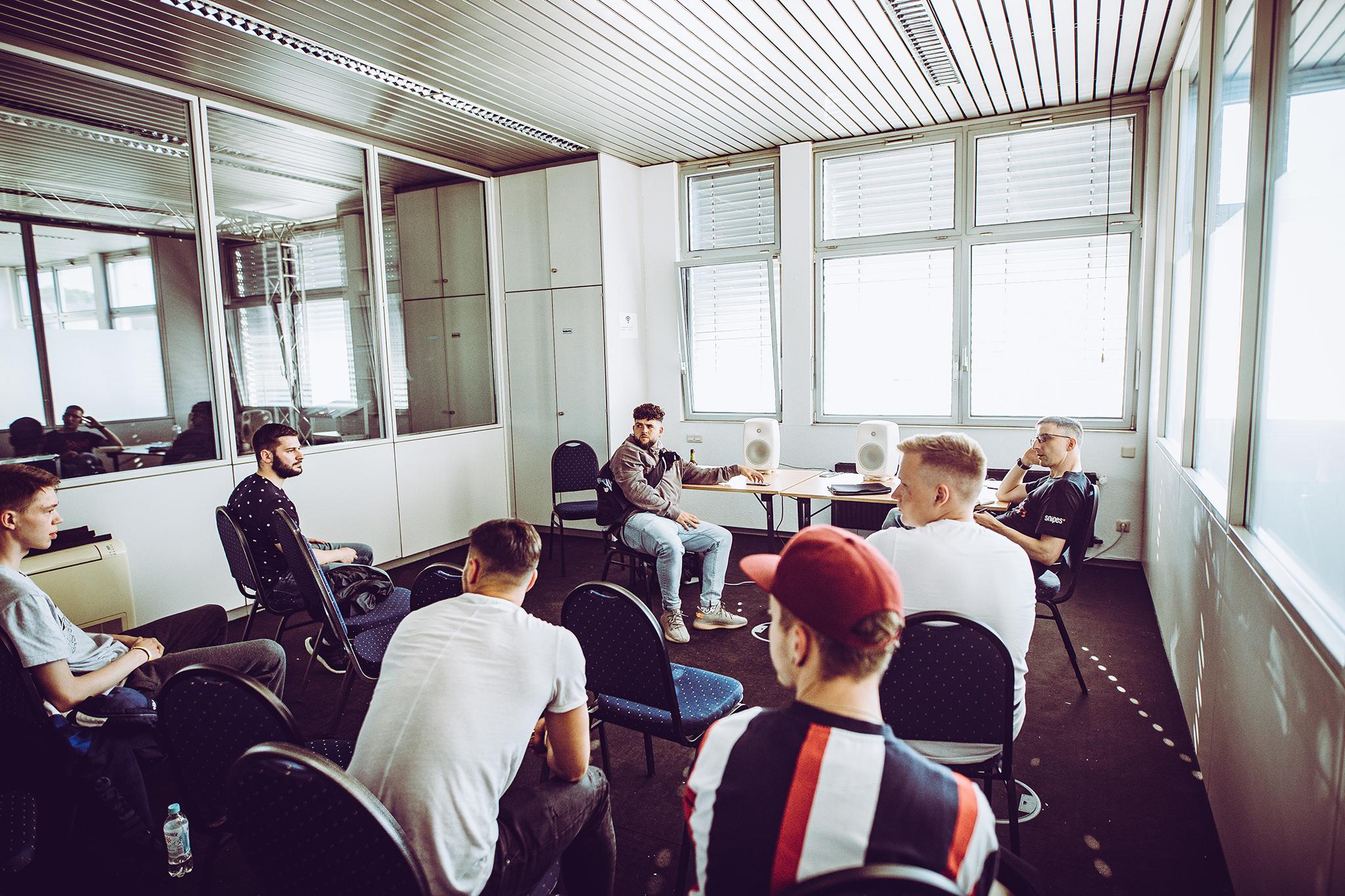 Beat Listening mit Vega und Timo Krämer